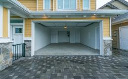 The Difference Between Chain, Belt, and Jackshaft-Driven Garage Door Openers